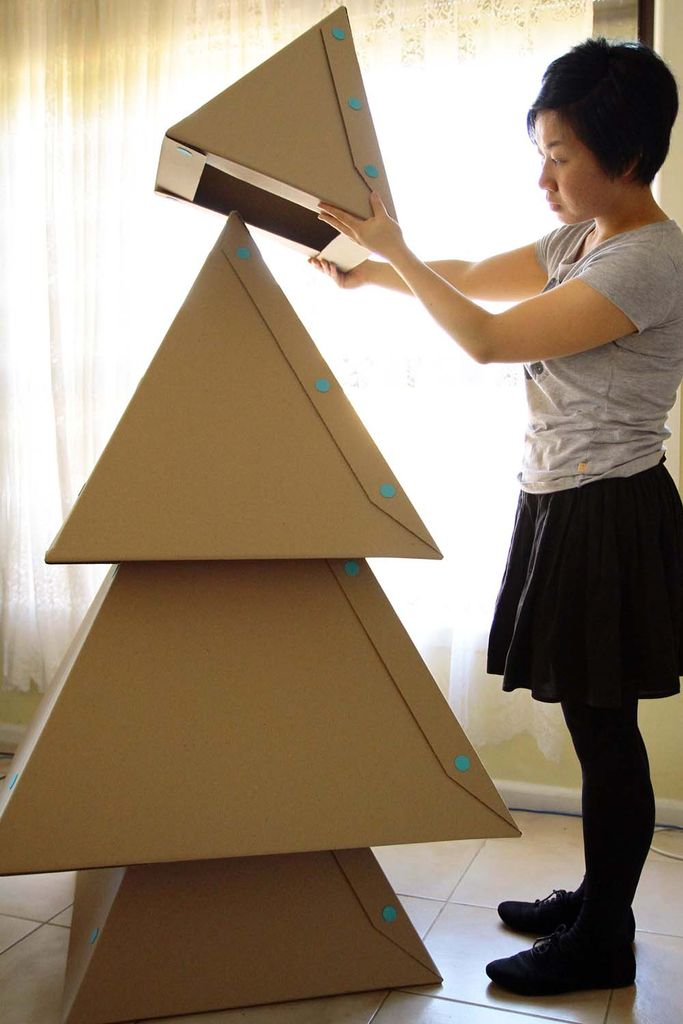 diy le sapin de no l en carton. Black Bedroom Furniture Sets. Home Design Ideas