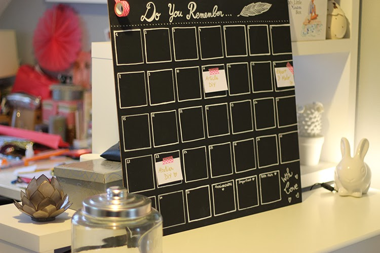 diy calendrier ardoise pour bien s 39 organiser. Black Bedroom Furniture Sets. Home Design Ideas