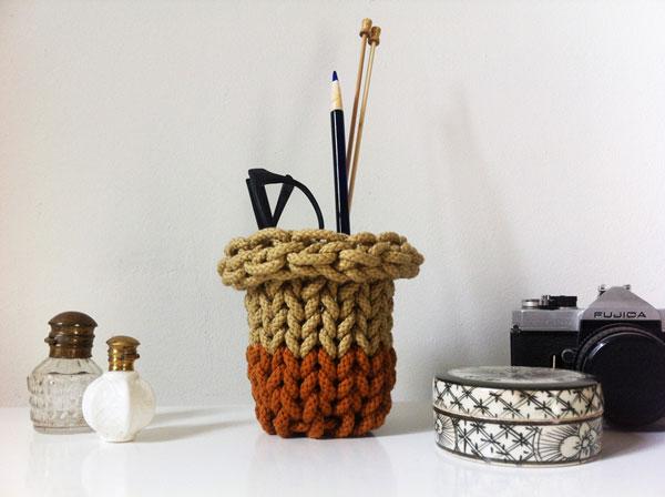 diy comment tricoter sans aiguille. Black Bedroom Furniture Sets. Home Design Ideas