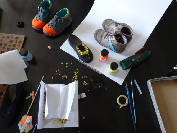 making of de DIY customisation de chaussures