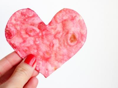 DIY Chips rouges en forme de coeur
