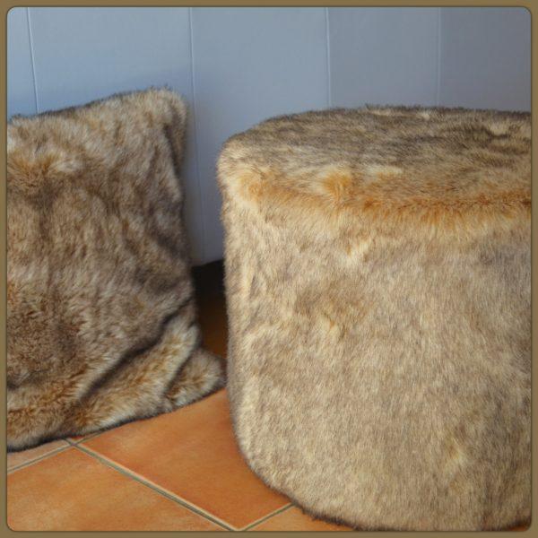 diy pouf en fourrure le meilleur du diy. Black Bedroom Furniture Sets. Home Design Ideas
