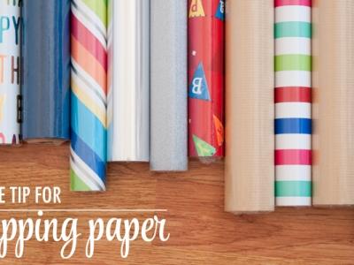 diy rangement pour rouleau de papier cadeau et grandes feuilles. Black Bedroom Furniture Sets. Home Design Ideas