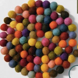 Boule de laine feutrée