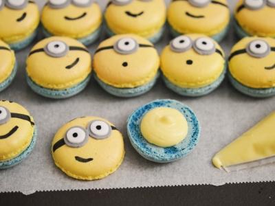 Macarons minions mignons personnalisés