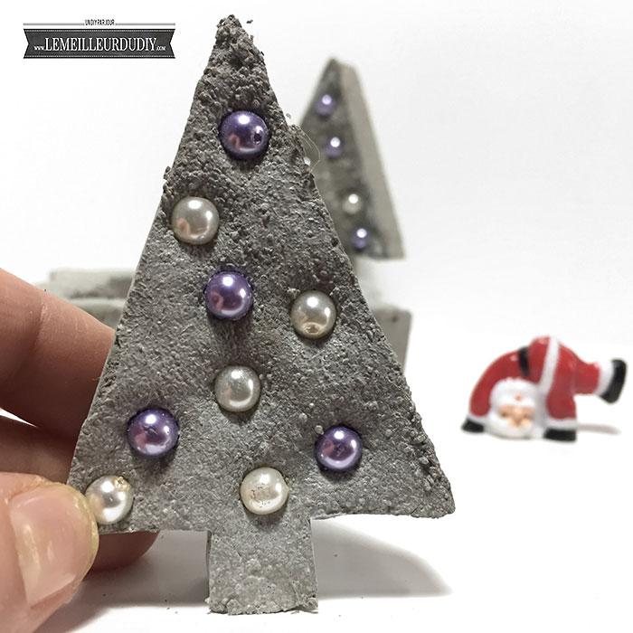 DIY Sapin de Noël en béton décoratif incrusté de perles