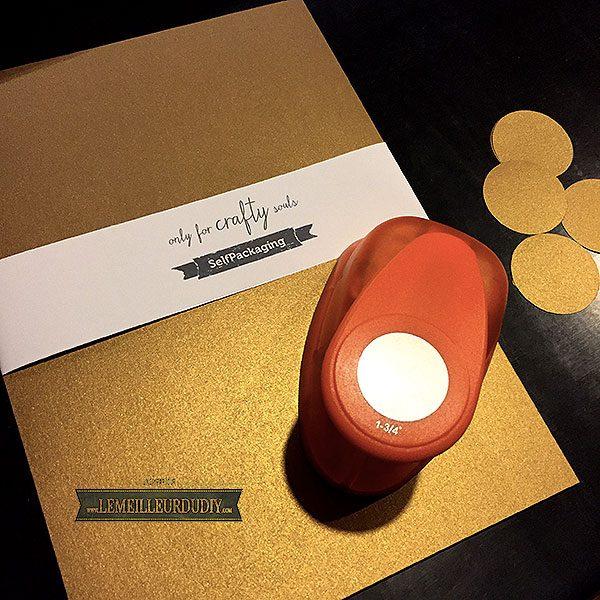 Papiers de chez Selfpackaging joliment emballés qui peuvent servir aussi pour les cartes de voeux