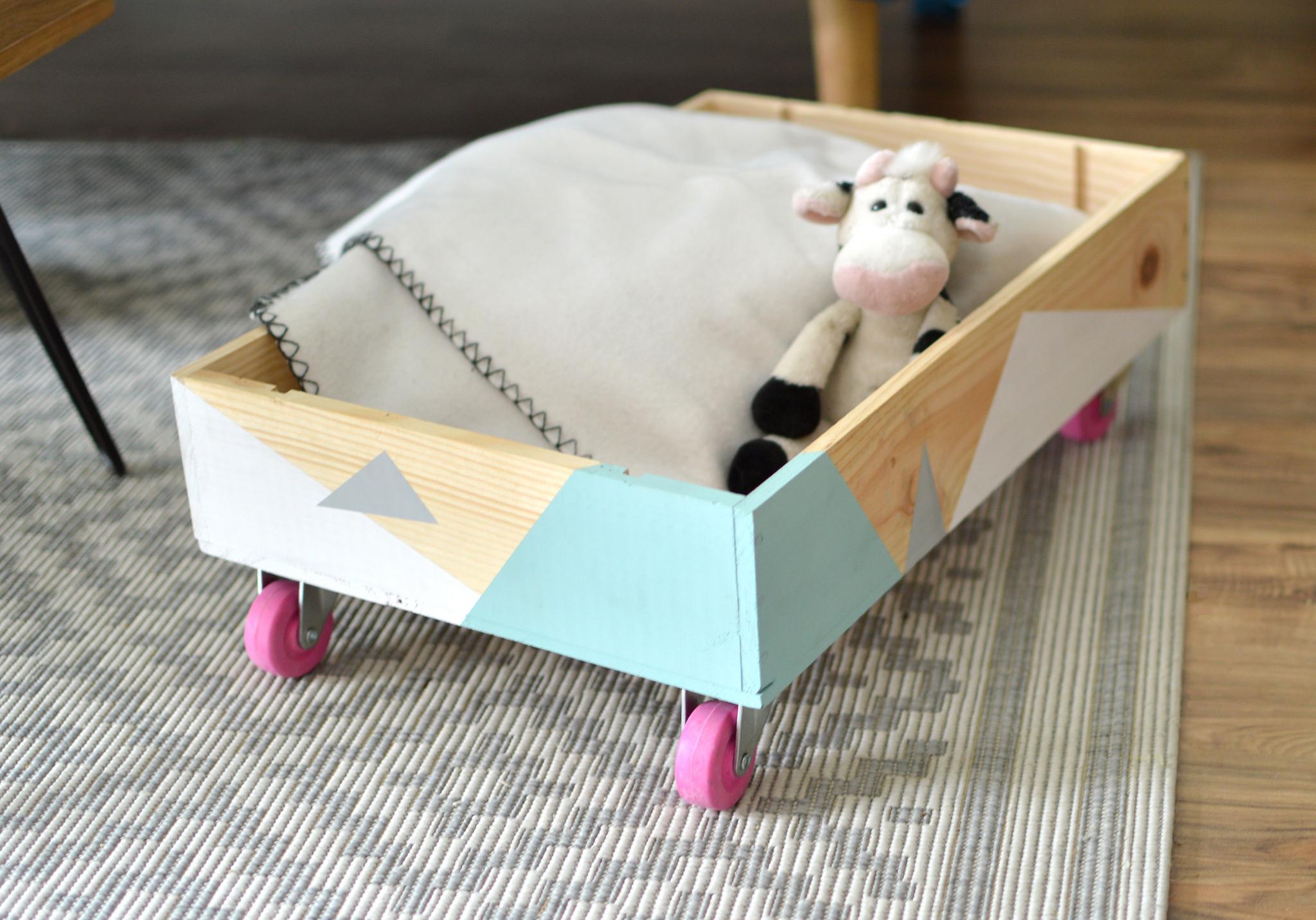 diy caisse roulettes avec une caisse vin le meilleur du diy. Black Bedroom Furniture Sets. Home Design Ideas